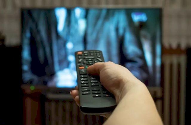 Бессмысленный просмотр телевизионной передачи